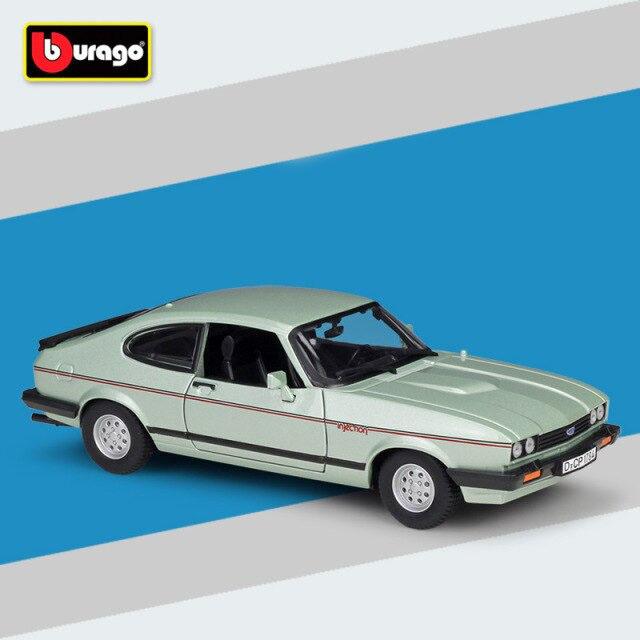 Miniatura Carro Colecionável Ford Capri 1982 Prata Diecast Escala 1/24 - Bburago - MKP