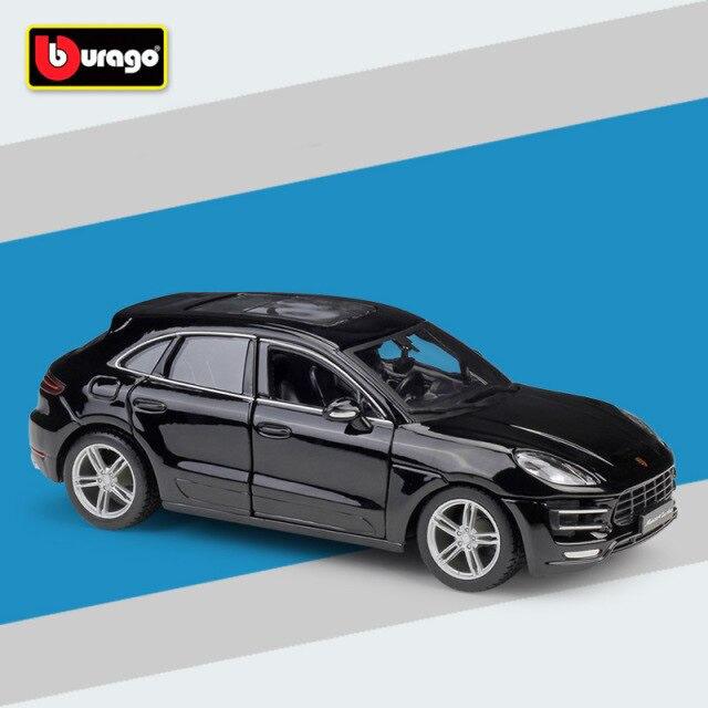 Miniatura Carro Colecionável Porsche Macan Preto Diecast Escala 1/24 - Bburago - MKP