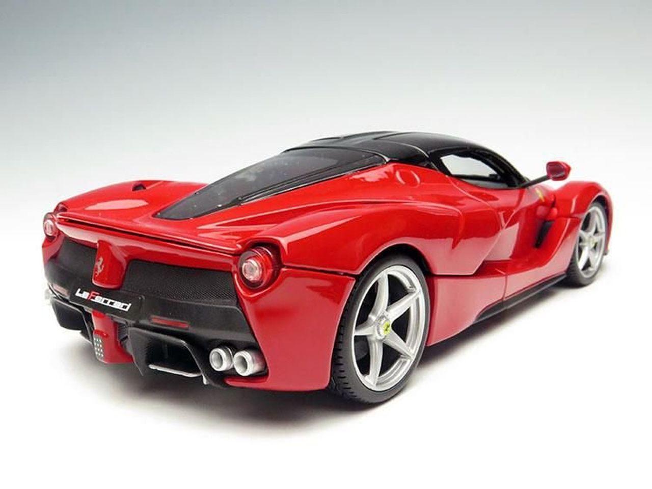 Miniatura Ferrari (Escala 1/18) - Burago