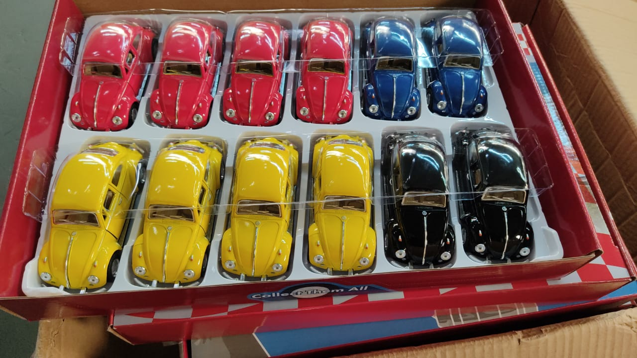 Miniatura Fusca De Fricção Beetle Volkswagen Clássico 1967- Die Cast Escala 1/32 (Sortido)