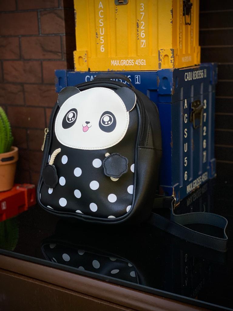 Mochila / Bolsa Infantil Panda: Preta