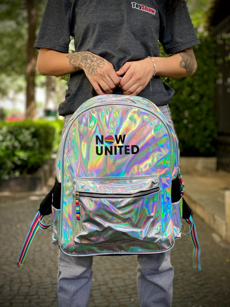 Mochila Now United (Material Holográfico)