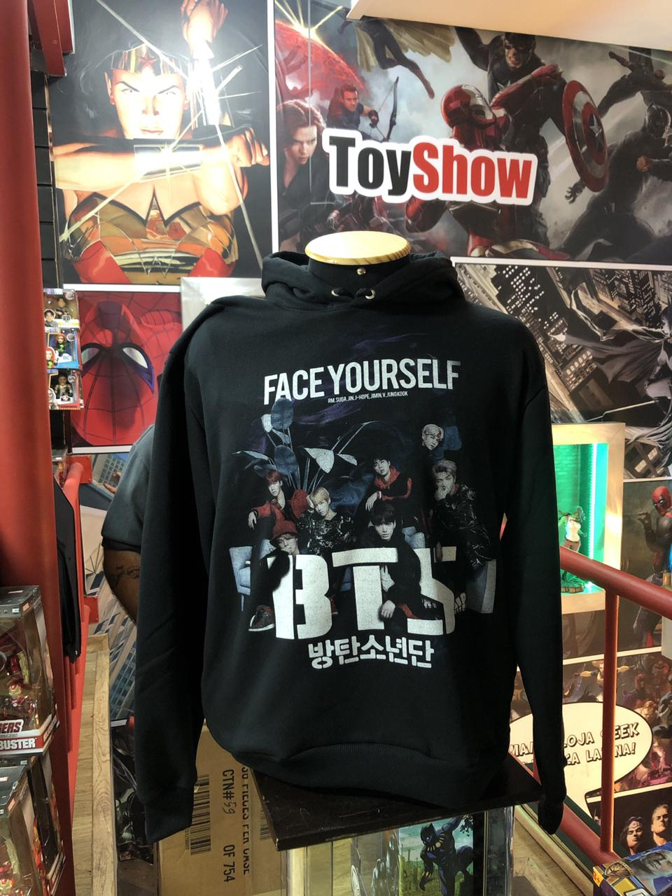 Moletom com Capuz BTS: Face Yourself (Preto)