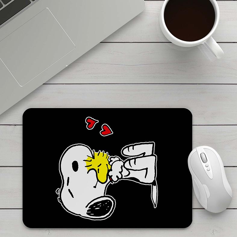 Mousepad Snoopy E Woodstock Abraço Corações Pássaro Cachorro Bird Charlie Brown - EV