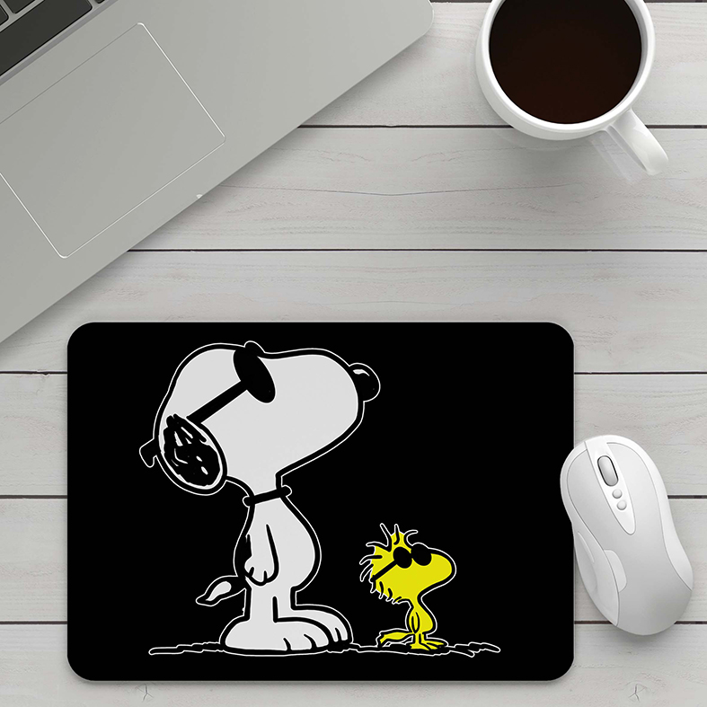 Mousepad Snoopy E Woodstock Óculos Escuros Pássaro Cachorro Bird Charlie Brown - EV