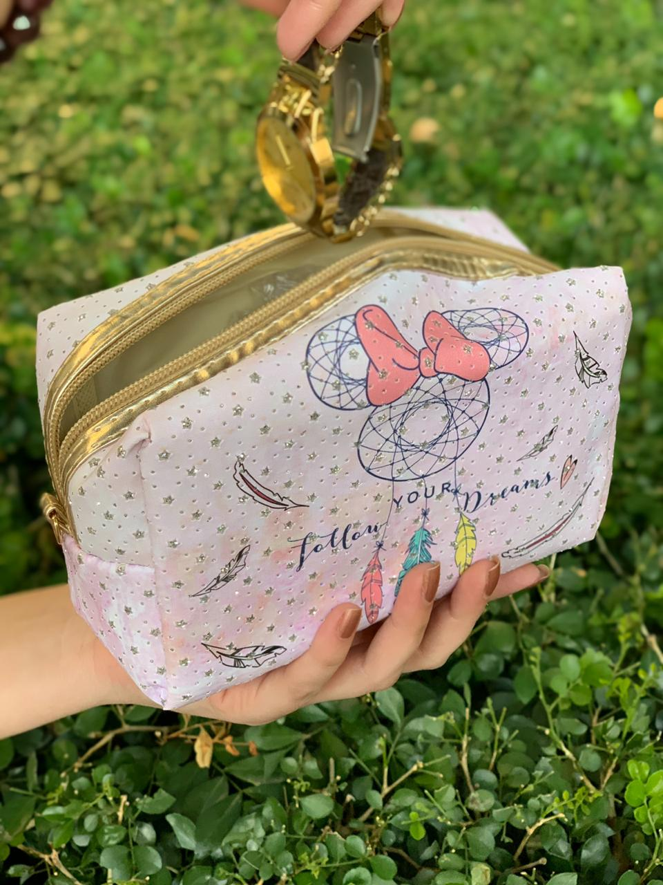 Necessaire Minnie Mouse Follow Your Dream: Mickey e Minnie Mouse - Disney