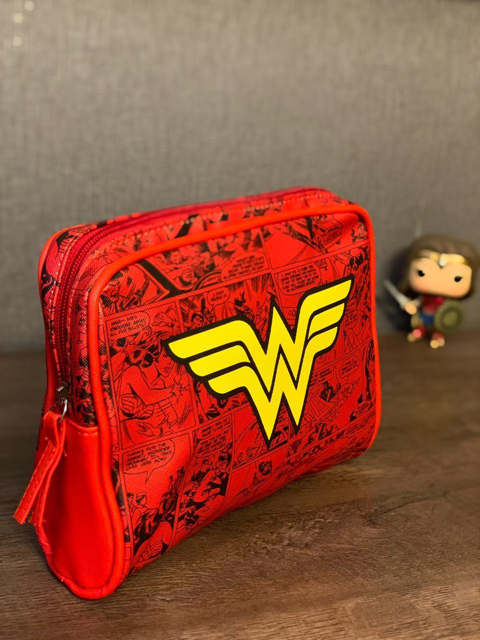 Necessaire Quadrinho Mulher-Maravilha (Wonder Woman): DC Comics
