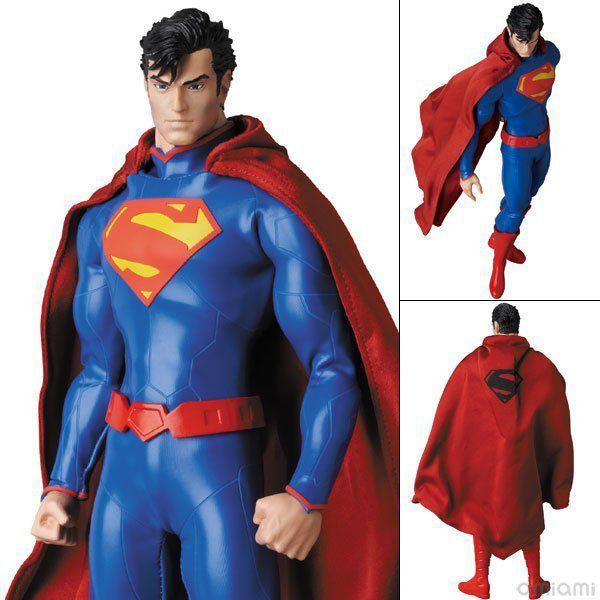New 52: Superman Escala 1/6 - Medicom