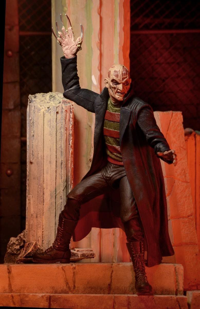 New Nightmare Freddy Krueger Escala 1/10 - Neca