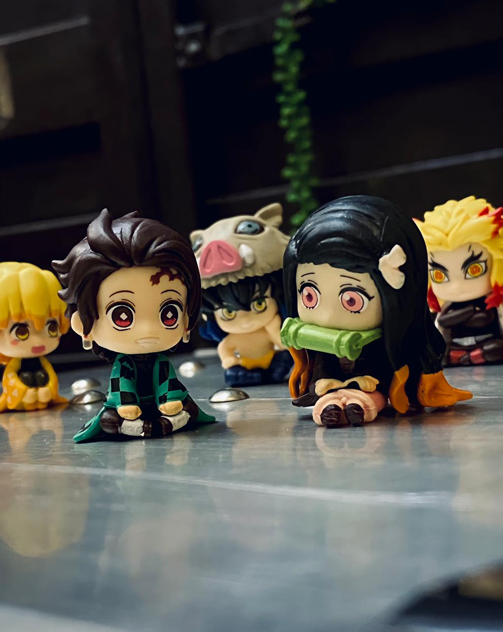 Pack Com 5 Estátuas Mini Figuras Tanjuro Kamado, Nezuko Kamado, Inosuke Hashibira, Zenitsu Agatsuma, Rengoku Kyojuro