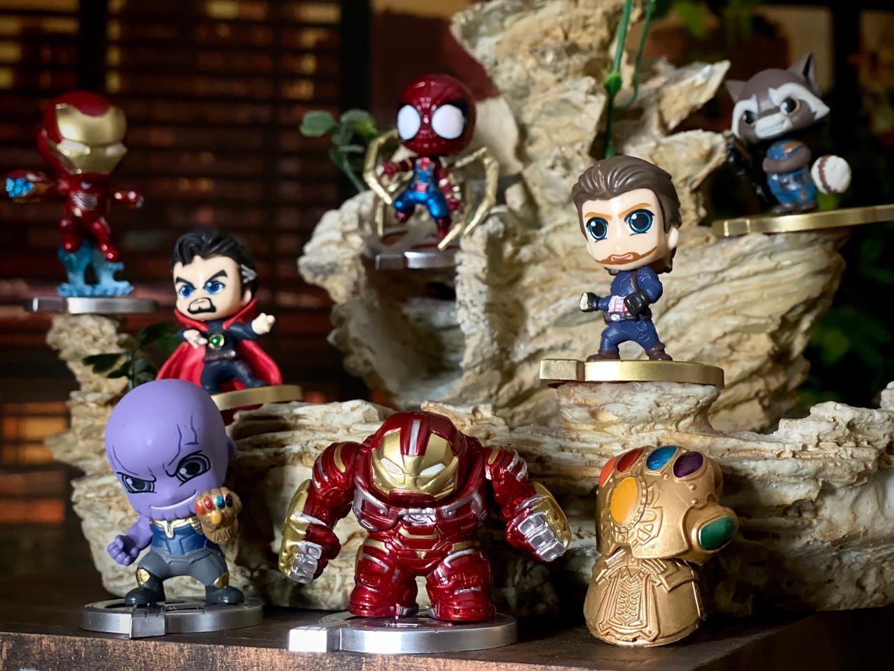 Pack Mini Cosbaby com 8 Mini Estátua Vingadores Guerra Infinita Avengers Infinity War Marvel  6 cm