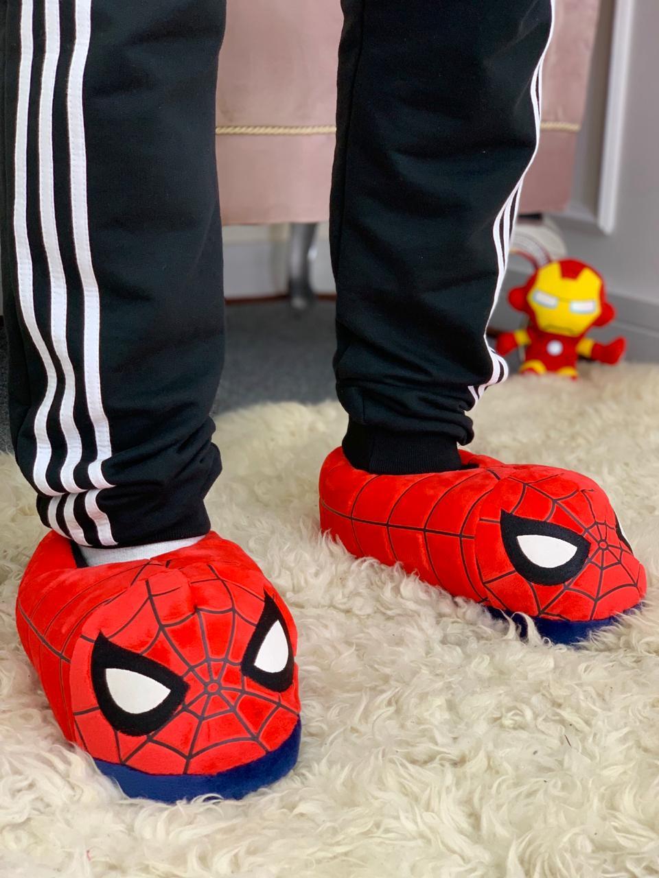 Pantufa 3D Homem Aranha (Spider-Man) Marvel - Zona Criativa