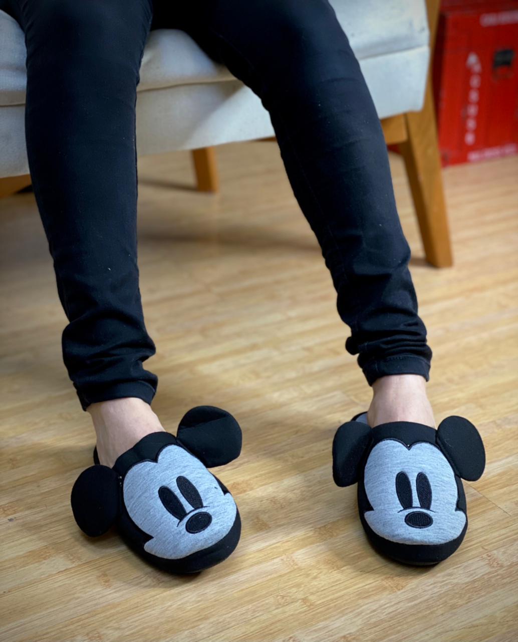 Pantufa/Chinelo De Casa Unissex Mickey Mouse: Mickey e Minnie Mouse - Disney