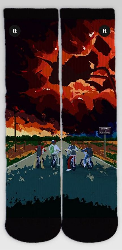 Par de Meias Geek: Stranger Things (Poster) - It Sox