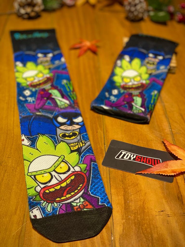 """Par de Meias Geek """"Batman e Coringa"""" : Rick e Morty"""