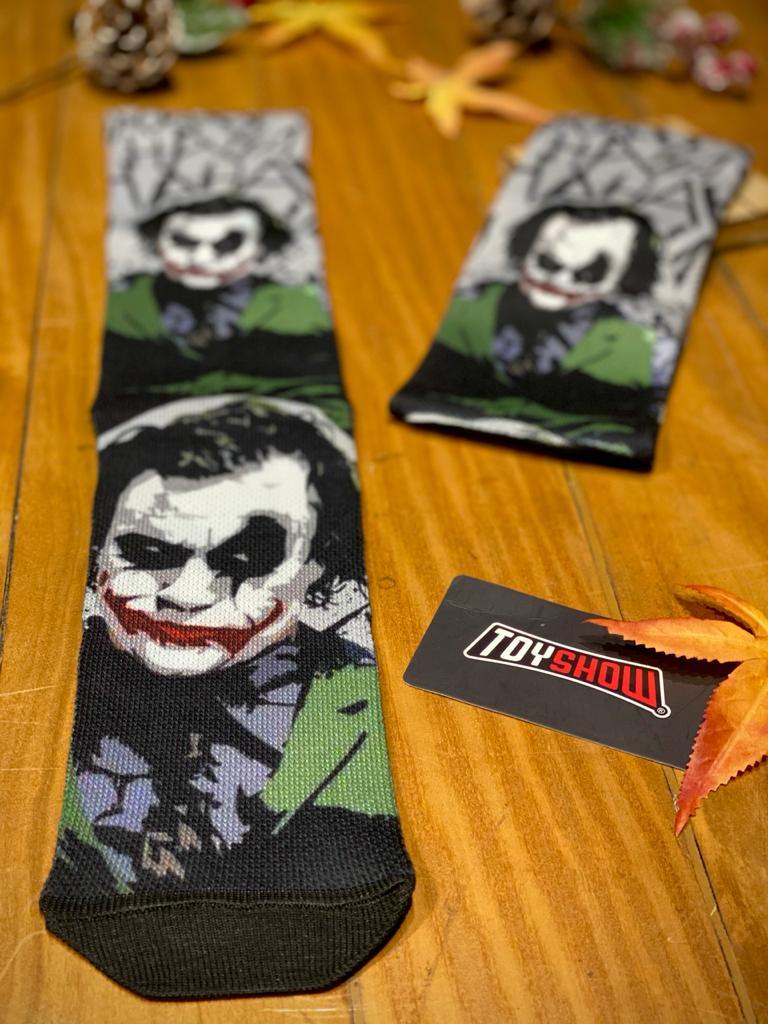 Par de Meias Geek Coringa (Heath Ledger) (HAHAHAHA): Batman Cavaleiro Das Trevas
