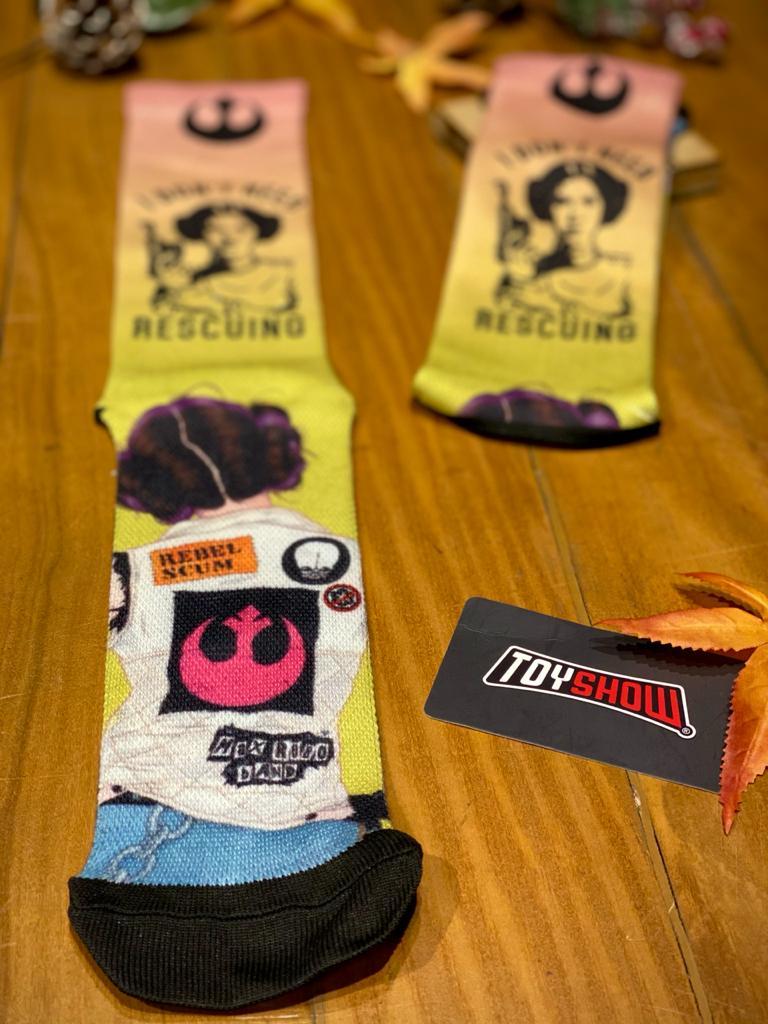 "Par de Meias Geek Princesa Leia Organa ""I Don´t Need Rescuing"": Star Wars"