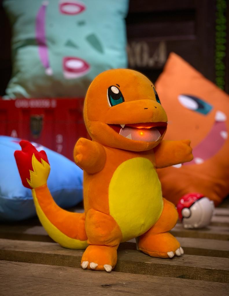 Pelúcia Charmander: Pokémon Com Luz E Som - Sunny