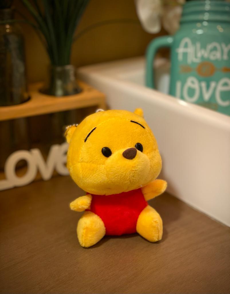 Pelúcia Chaveiro Ursinho Pooh: Ursinho Pooh - Disney (10cm)