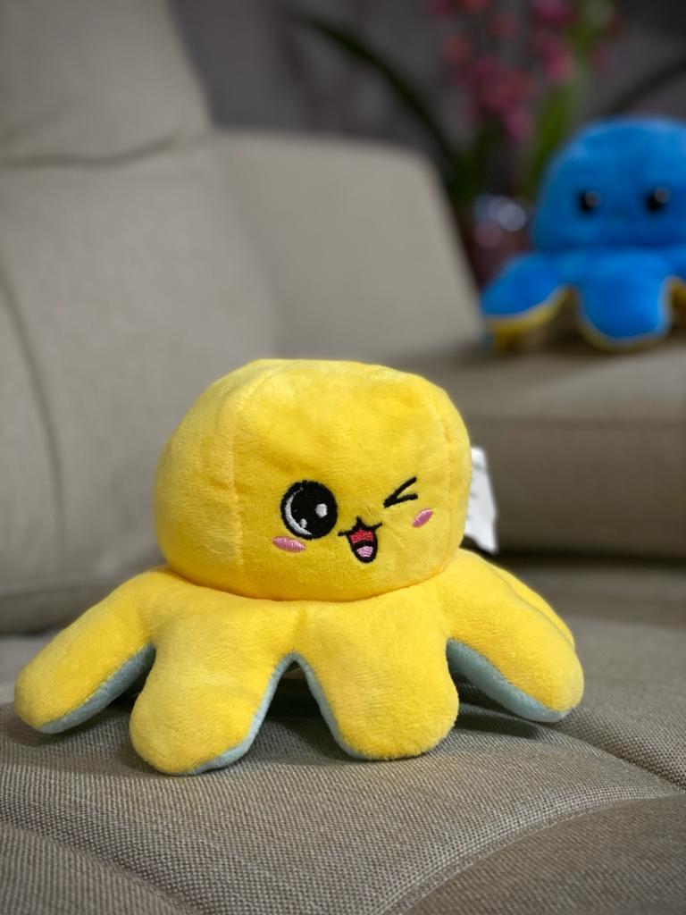 Pelucia Do Humor Polvo Flip Reversivel Azul Bebe e Amarelo: Kawaii Brinquedo Tik Tok 20cm - EV