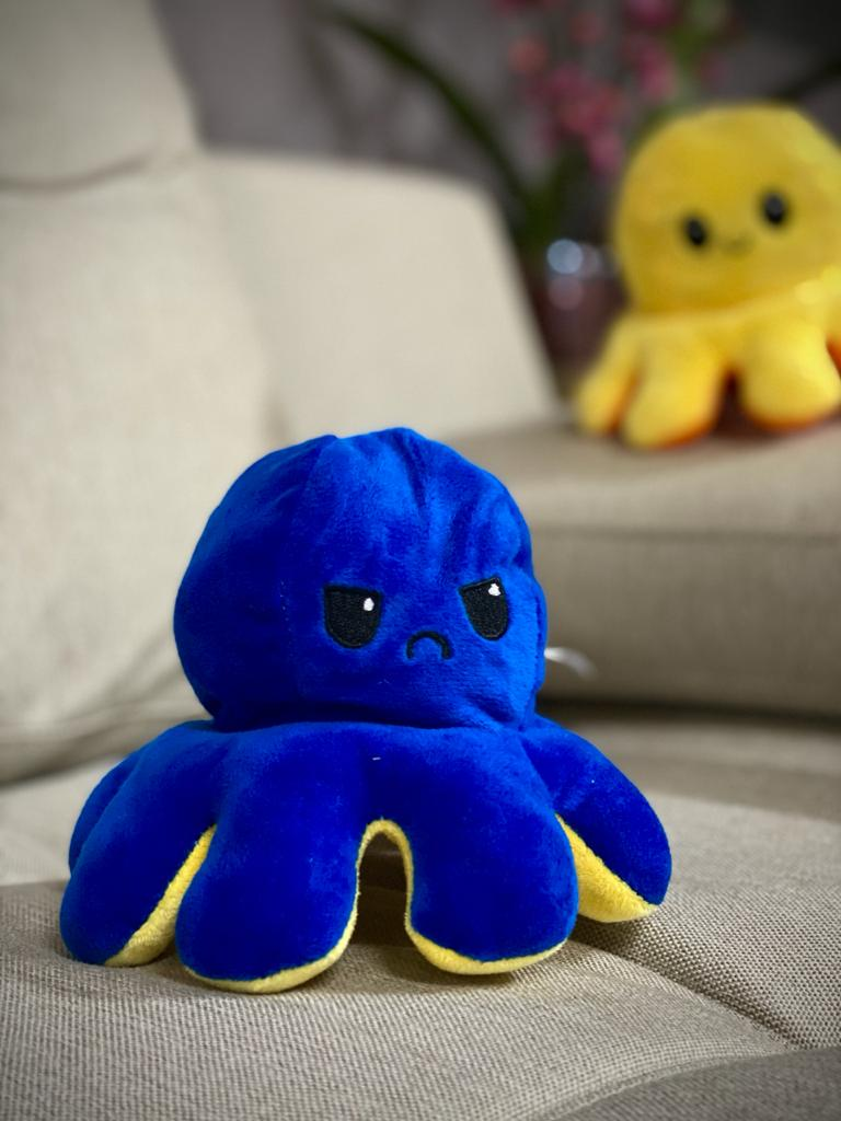 Pelucia Do Humor Polvo Flip Reversivel Azul Escuro e Amarelo: Kawaii Brinquedo Tik Tok 20cm - EV