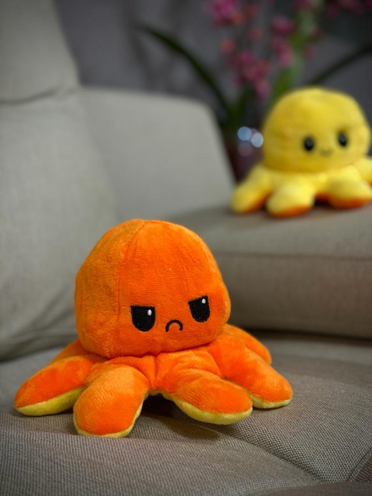 Pelucia Do Humor Polvo Flip Reversivel Laranja e Amarelo: Kawaii Brinquedo Tik Tok 20cm