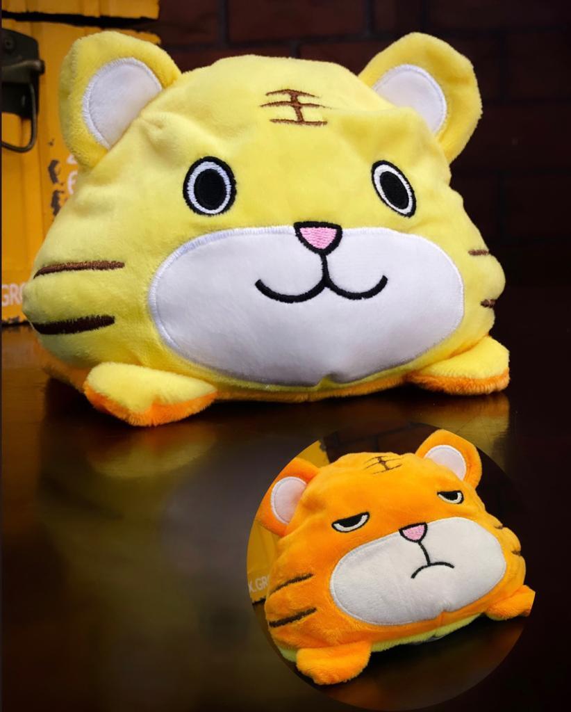 Pelúcia do Humor Polvo Tigre Flip Reversível Amarelo e Laranja Kawaii Brinquedo Tik Tok 20cm - EV