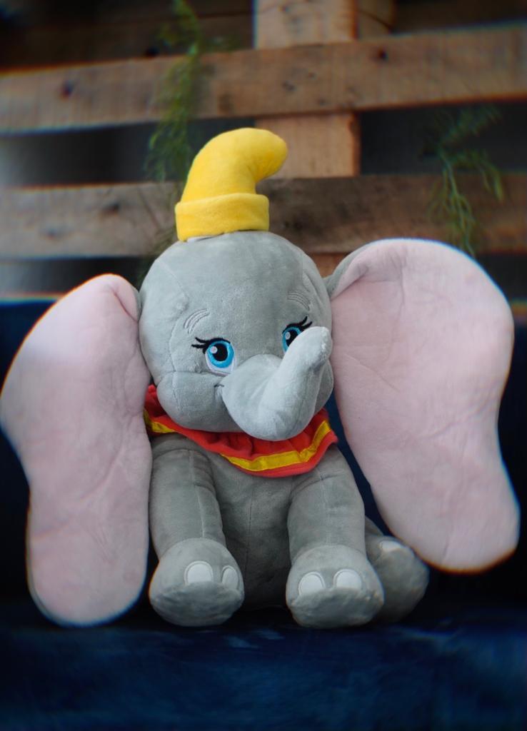 Pelúcia Dumbo: Dumbo - Disney (35cm)