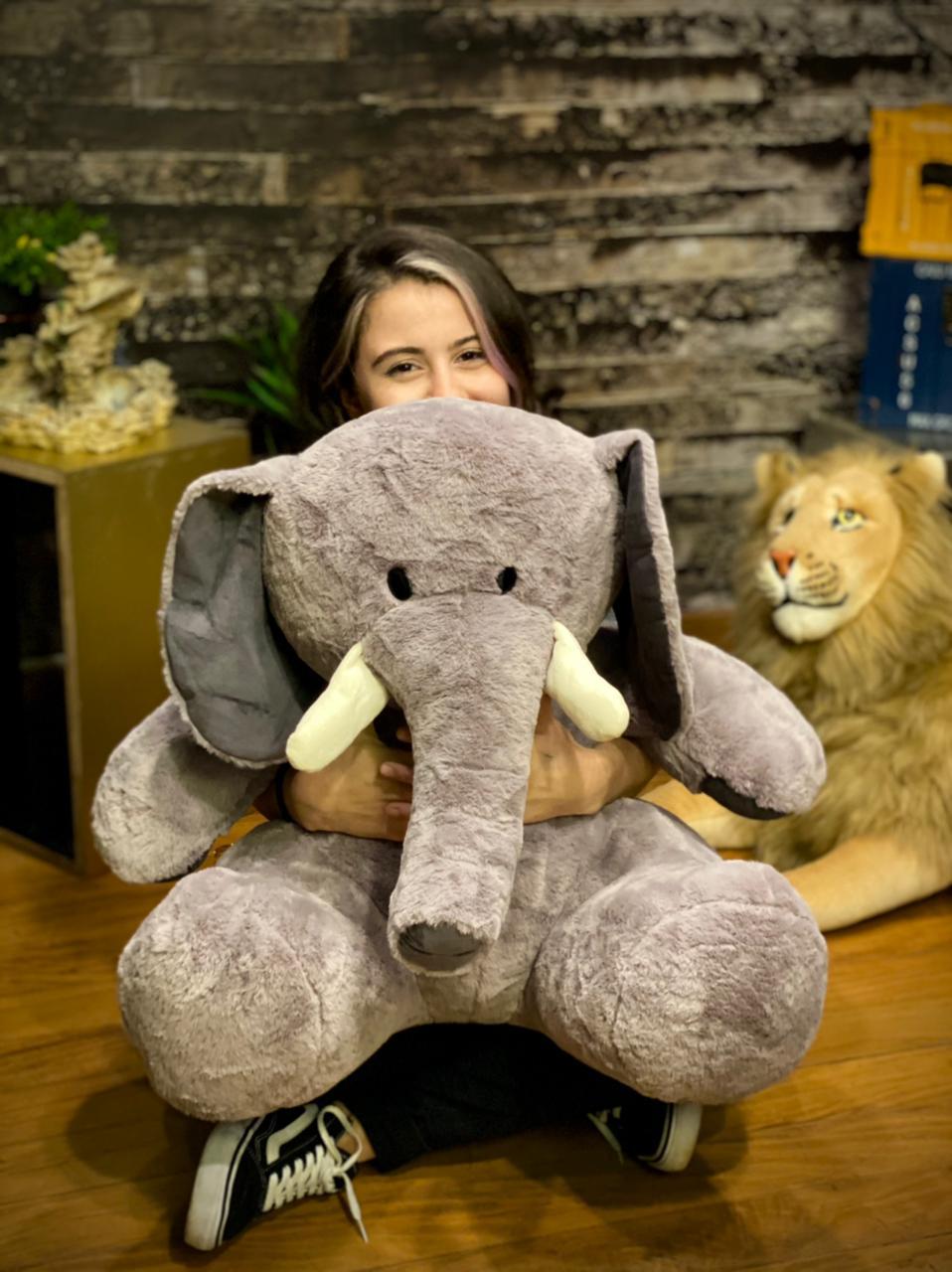 Pelúcia Elefante Cinza Sentado Grande (55cm)