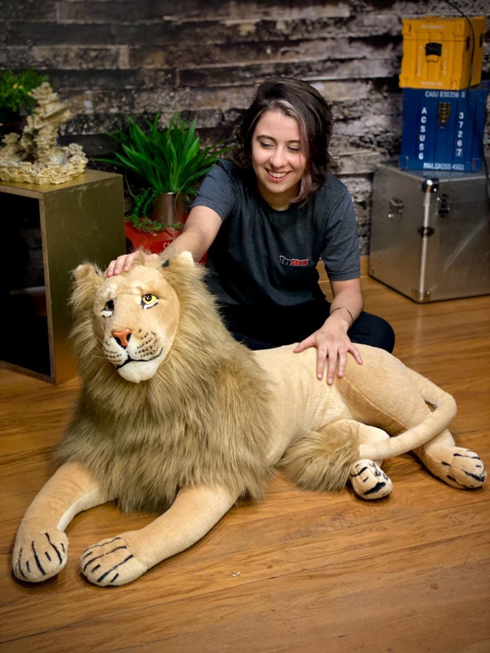 Pelúcia Leão Deitado Grande - (90cm)