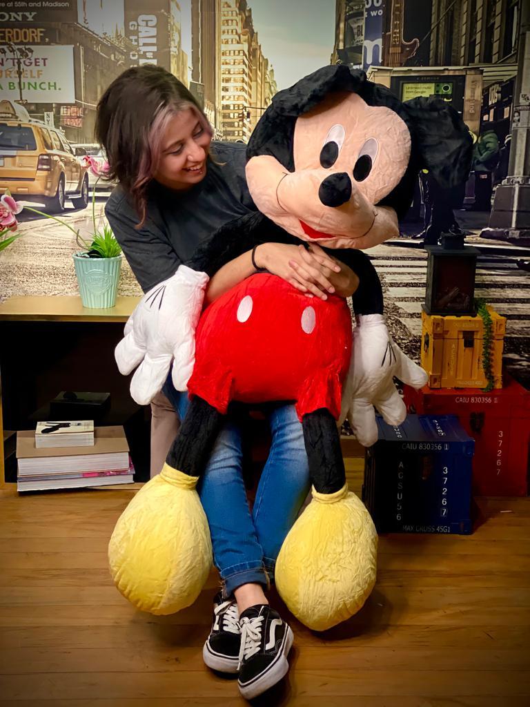 Pelúcia Mickey Mouse Disney Grande 75cm