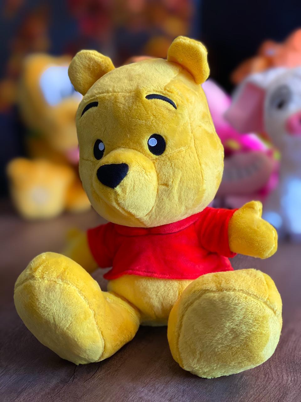 Pelúcia Pooh (Puff): Ursinho Pooh (Winnie the Pooh) Disney (Big Feet) - FUN