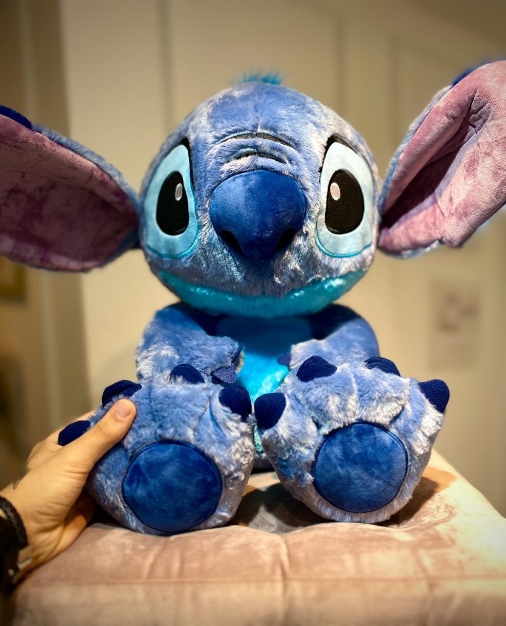 Pelúcia Stitch (Big Feet): Lilo & Stitch (Disney)