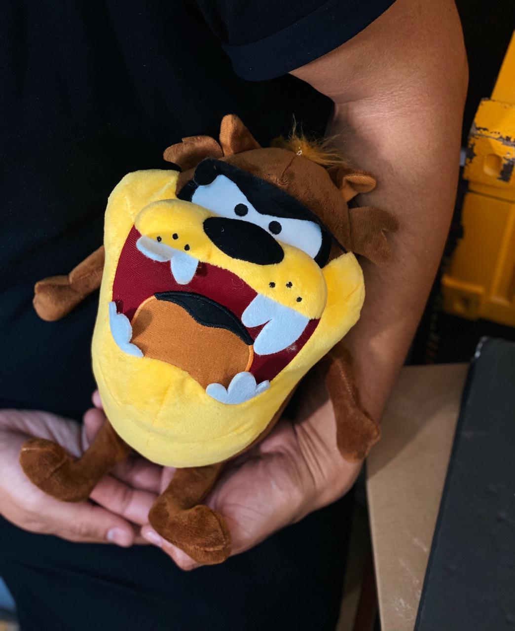 Pelúcia Taz Taz Mania O Demônio Da Tasmânia Com Ventosa - Looney Tunes