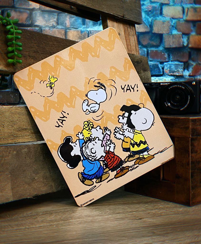 Placa Decorativa de Metal Snoopy é um Bom Companheiro: Peanuts - Zona Criativa