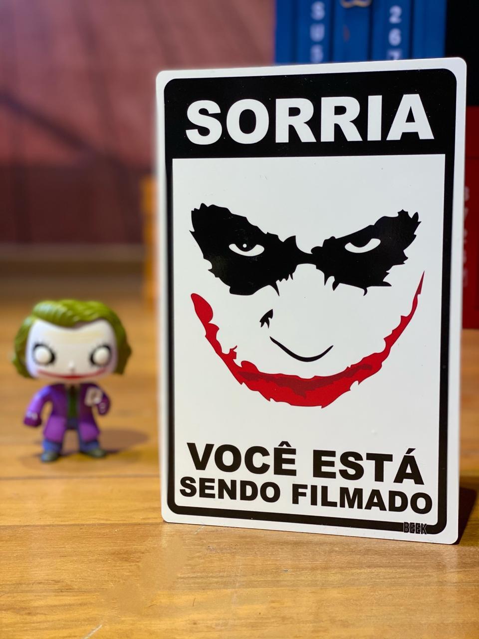 Placa Decorativa Joker (Sorria Você Está Sendo Filmado)