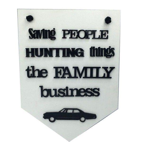 Placa Decorativa Sobrenatural (Supernatural) Saving People Hunting Things The Family Business