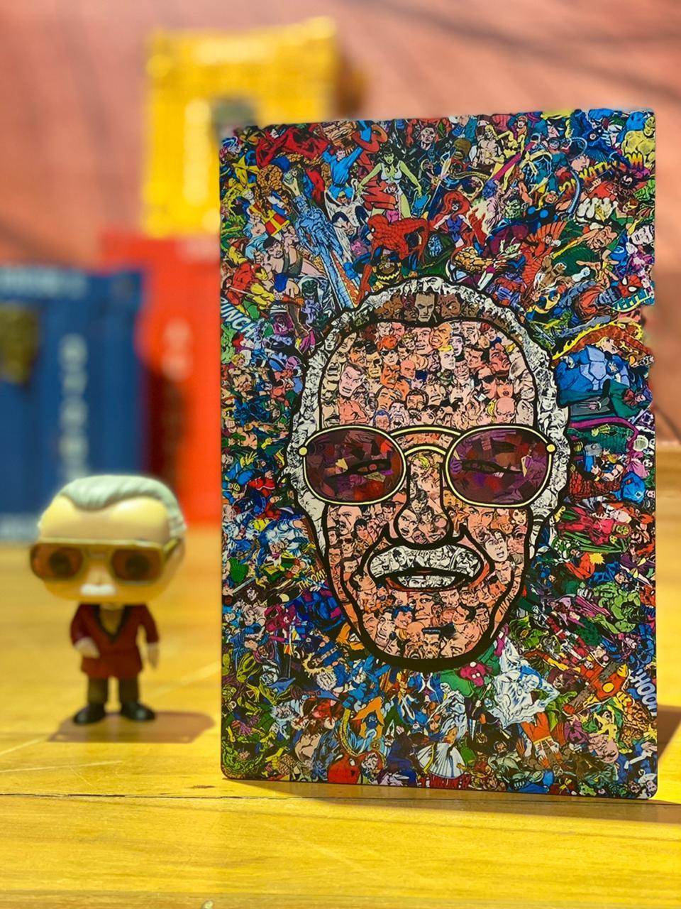 Placa Decorativa Stan Lee Personagens: Marvel