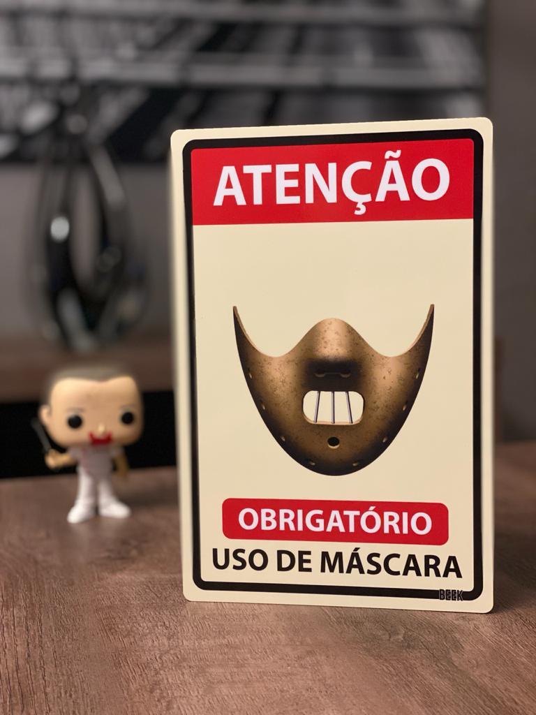 Placa Decorativa Use Máscara: Hannibal