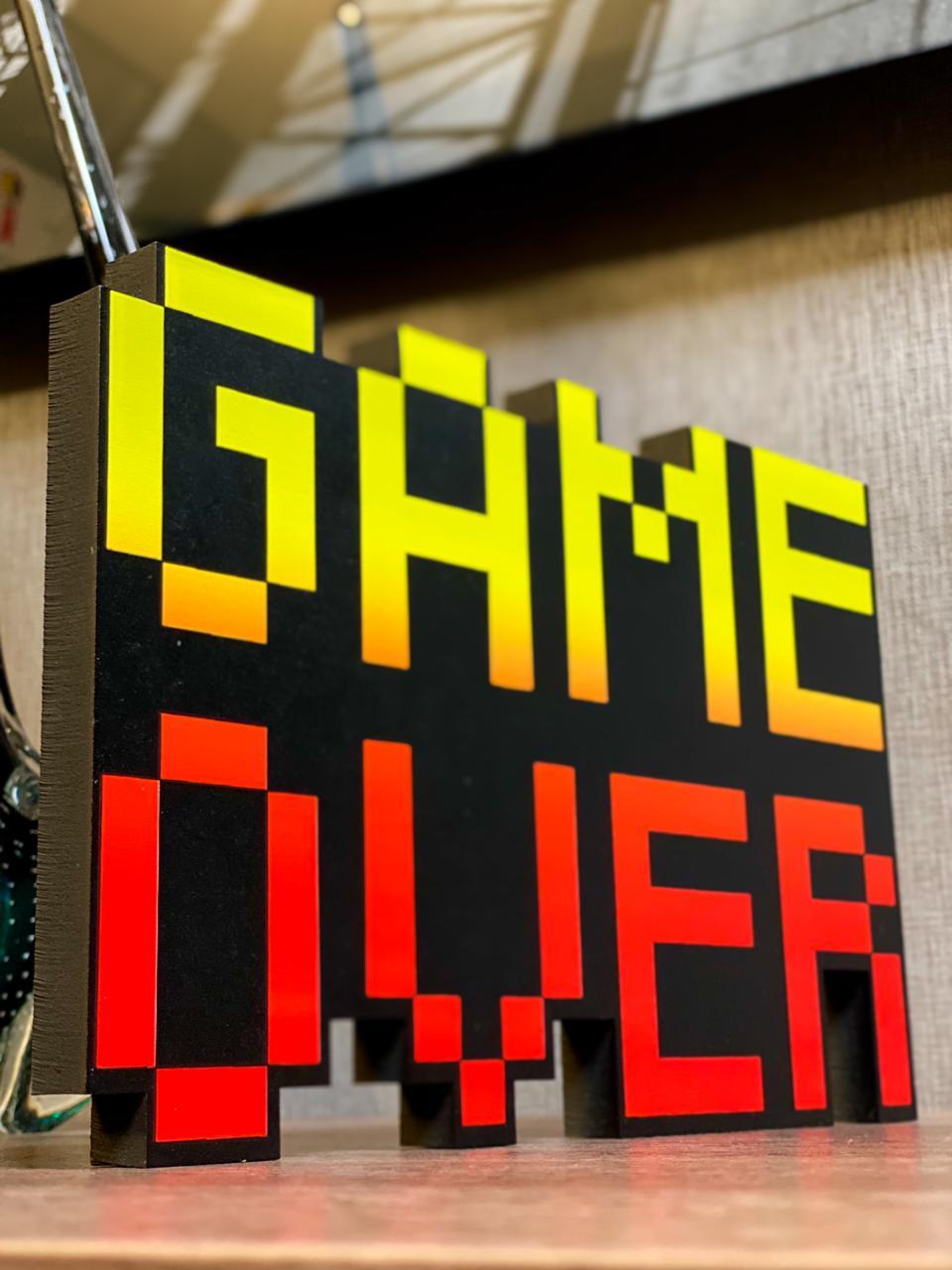 Placa Pixel Game Over em MDF