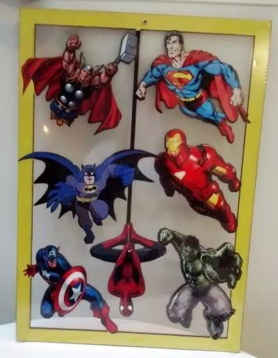 Placa Vazada Super Heróis da Marvel e DC Comics