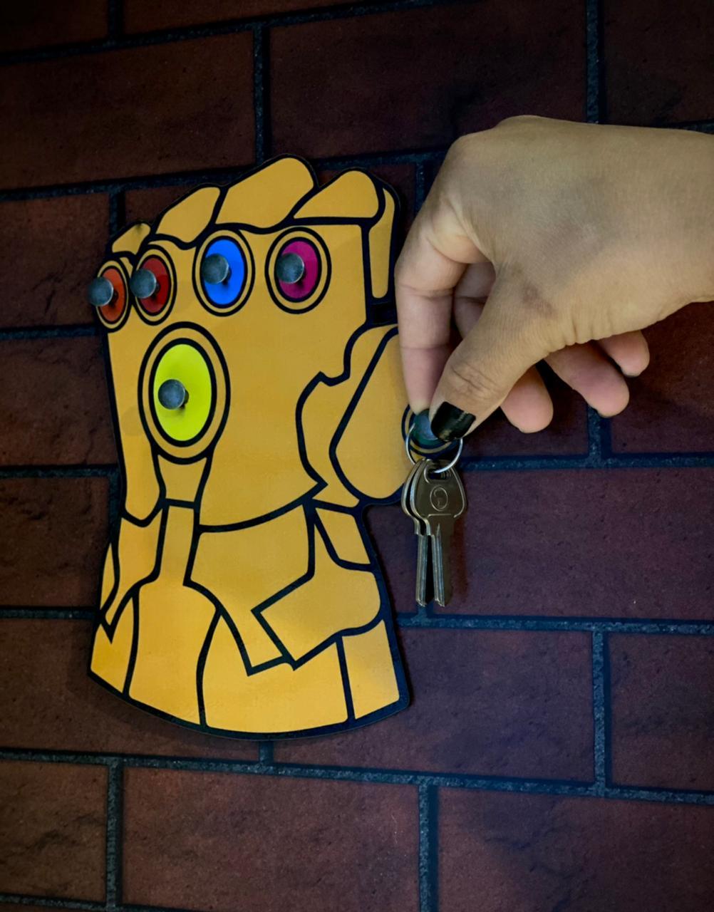 Porta Chave Manopla do Infinito: Thanos Vingadores: Guerra Infinita Avengers: Infinity War - Marvel