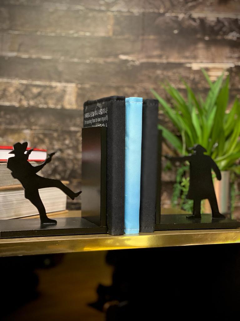 Porta Livro / Aparador de Livro Faroeste