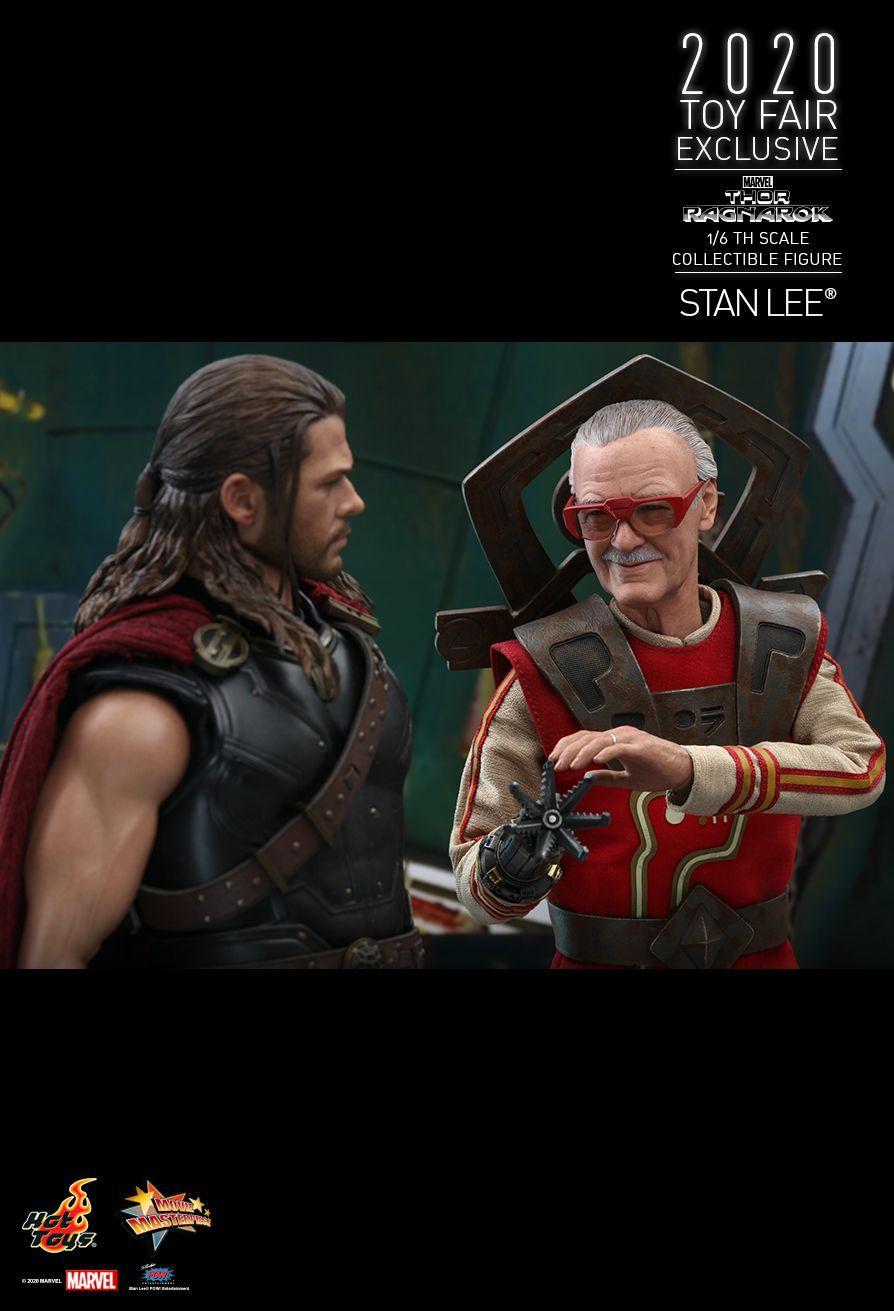 Pré Venda: Action Figure: Stan Lee: Thor: Ragnarok 1/6th Scale (MMS570) - Hot Toys