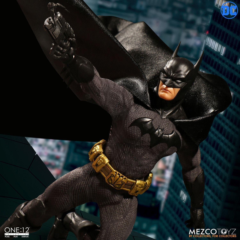 Action Figure Batman: O Cavaleiro Soberano (Sovereign Knight) One:12 Collective (Escala 1/12) Boneco Colecionável - Mezco