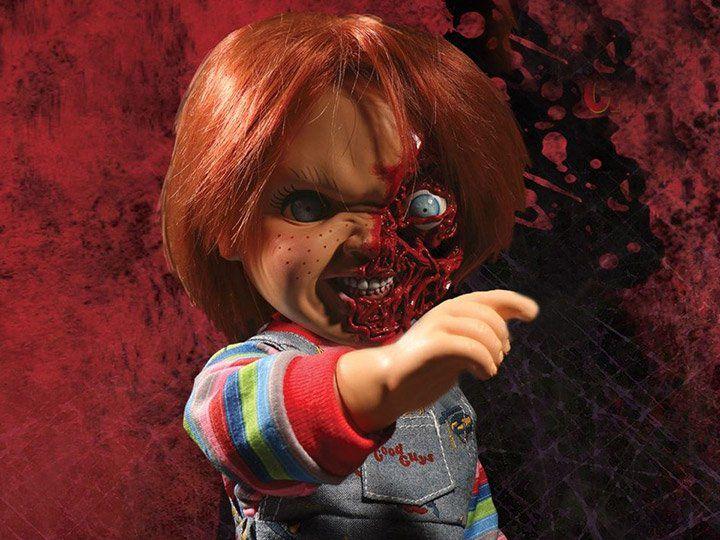 Boneco Chucky (Pizza Face): Brinquedo Assassino 3 (Child's Play 3) Talking (Figura que Fala) - Mezco