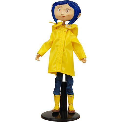 Boneco Coraline com Capa de Chuva (Rain coat) Bendy Fashion Doll - Neca (Apenas Venda Online)