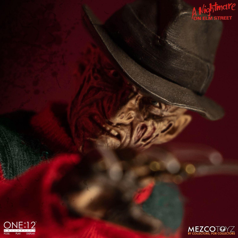Action Figure Freddy Krueger: A Hora do Pesadelo (Nightmare On Elm Street) One:12 Collective (Escala 1/12) Boneco Colecionável - Mezco (Apenas Venda Online)