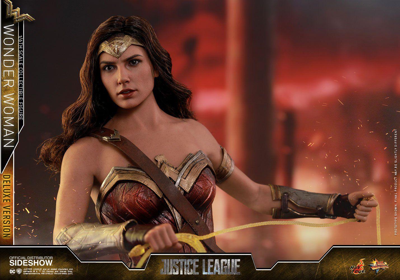 Boneco Mulher Maravilha (Wonder Woman): Liga da Justiça (Justice League) Deluxe Movie Masterpiece (MMS451) 1/6 - Hot Toys (Apenas Venda Online)