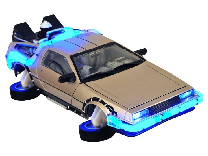 Carro DeLorean Electronic Hover Time Machine: De Volta Para o Futuro 2 Escala 1/15 - Diamond Select